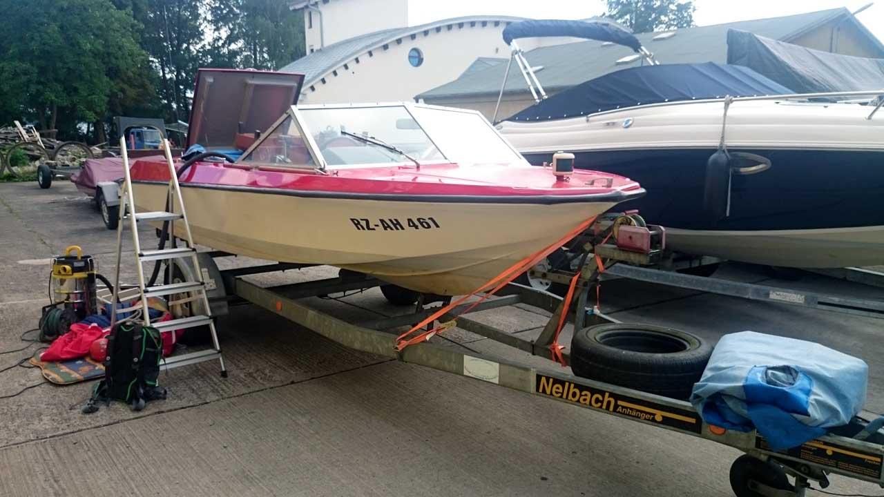 Lotos 2 Motorboot vor Sanierung & Umbau